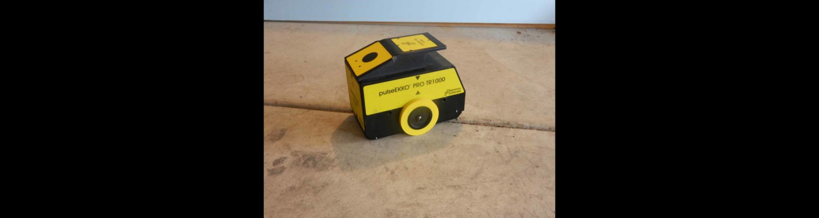 Concrete Scanning With 1000 MHz GPR